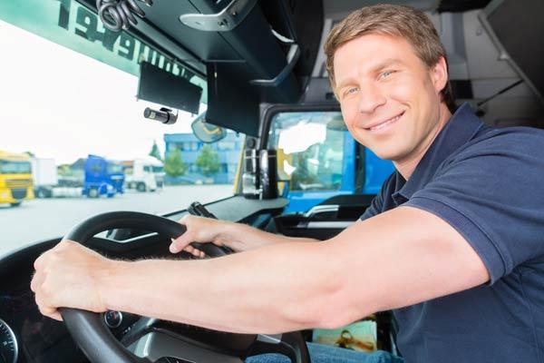 truck driver blackvue fleet sdk 600x400 - Lắp đặt camera hành trình ô tô tại Quận 4