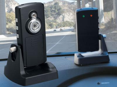 """camera hanh trinh 4 - """"Chơi"""" camera hành trình cho xe ô tô"""