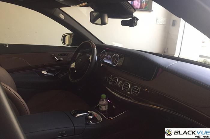 Mercedes S400 4 - Bảng So Sánh Tất Cả Các Loại Camera Hành Trình Blackvue