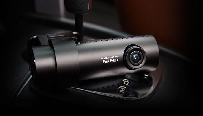 camera hanh trinh blackvue 650 oto68 2  700x400 - Lắp đặt camera hành trình ô tô tại quận Bình Tân