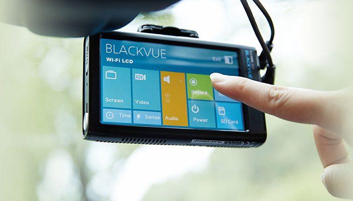 camera hanh trinh blackvue 750 ch 1  700x400 - Lắp đặt camera hành trình ô tô tại Quận Gò Vấp