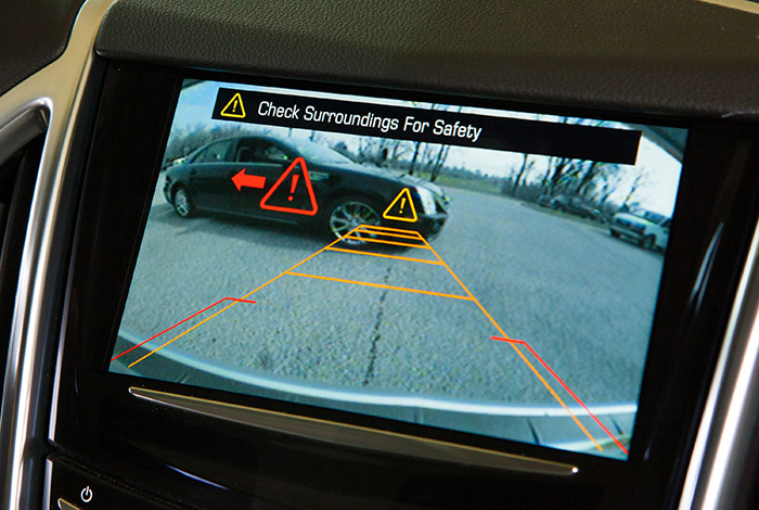 camera lui - Một số tính năng quan trọng trên ô tô bạn cần biết