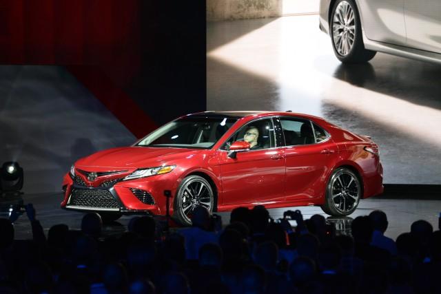 5 - Toyota Camry 2018 có gì?
