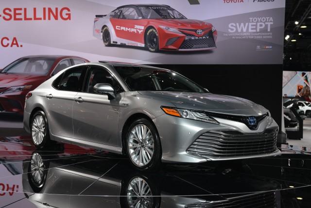 8 - Toyota Camry 2018 có gì?