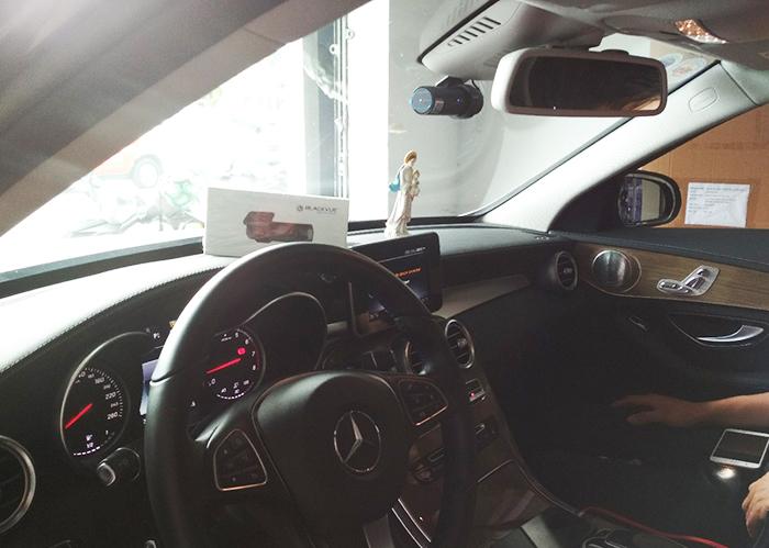 Camera BlackVue Mercedes CLA - Đánh giá camera hành trình ô tô Blackvue trên một số dòng xe
