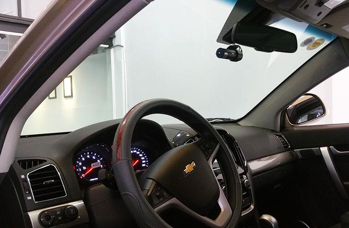 Camera Blackvue gan xe Chevrolet - Đánh giá camera hành trình ô tô Blackvue trên một số dòng xe