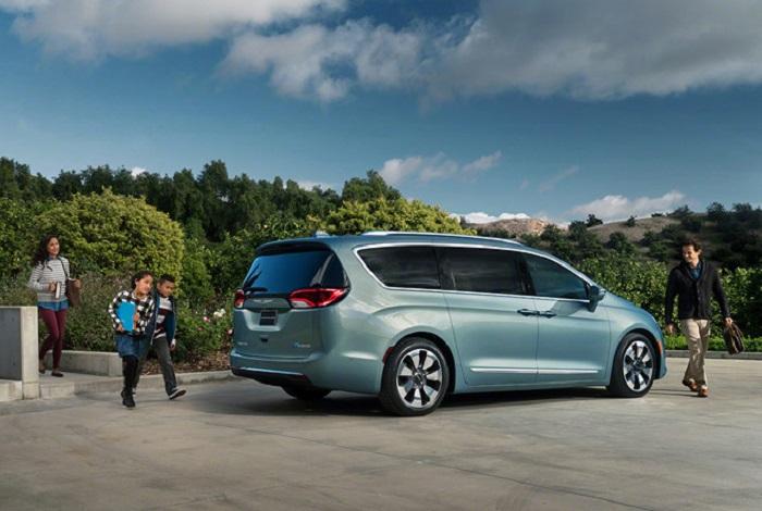 Chrysler Pacifica Hybrid - Mua xe ô tô cho gia đình nên chọn loại nào?