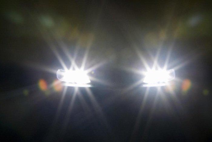 den pha - Muốn lái xe an toàn vào ban đêm cần lưu ý những điều gì?