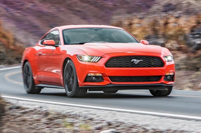 6.Ford Mustang EcoBoost - Điểm danh những xế hộp tầm giá 30.000 USD mê hoặc người dùng