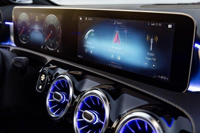 """Mercedes A Class 2018 4 - Choáng ngợp với dàn nội thất """"sang chảnh"""" của Mercedes A-Class 2018"""