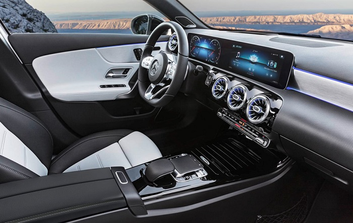 """Mercedes A Class 2018 5 - Choáng ngợp với dàn nội thất """"sang chảnh"""" của Mercedes A-Class 2018"""