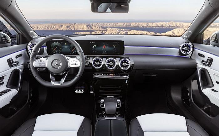"""Mercedes A Class 2018 - Choáng ngợp với dàn nội thất """"sang chảnh"""" của Mercedes A-Class 2018"""