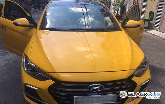 hyndai elantra 1 631x400 - Hyundai Elantra vàng rực đón Tết bên Blackvue DR590W