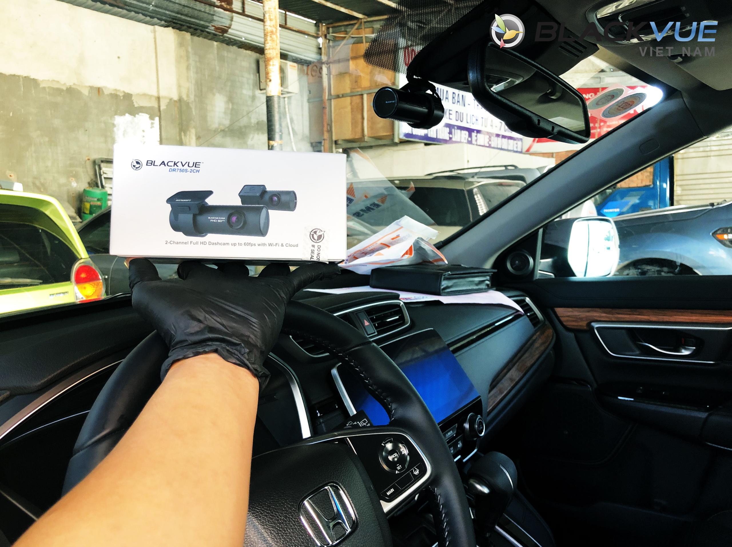 z2094579261783 bf53cf4edad0e08ba364287dc22bb233 - Blackvue phù hợp với mọi loại xe ô tô