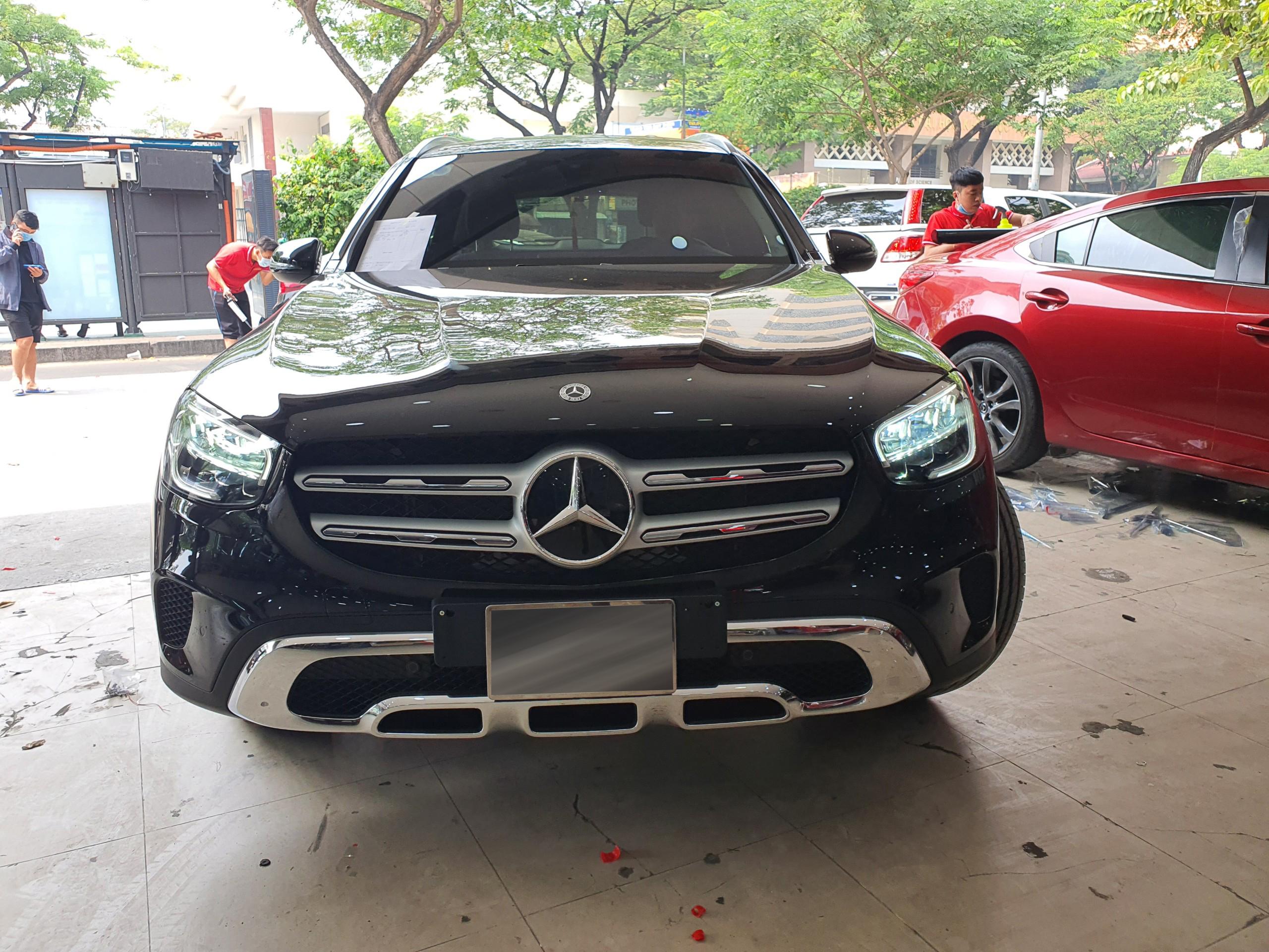 Blackvue DR750-2CH LTE và Mercedes